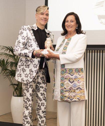El diseñador argentino Roberto Piazza, galardonado con los Premios Nacionales a la Moda y a la Excelencia Empresarial