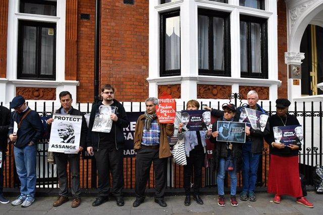 Julian Assange extradition in London