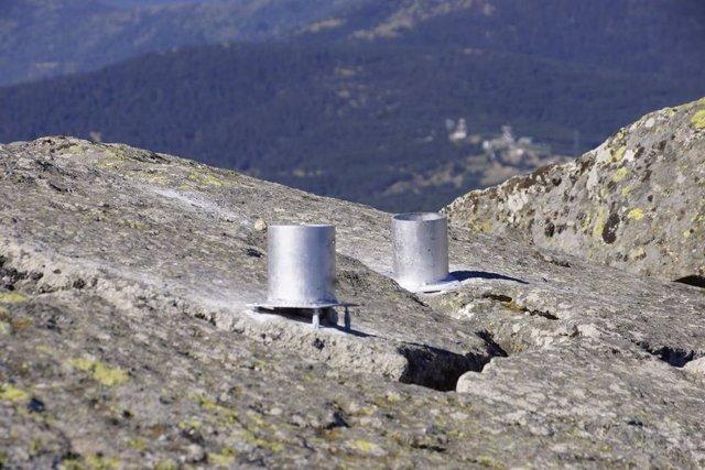 Vandalizan el banco instalado por el Ayuntamient de Los Molinos en el pico de La Peñota