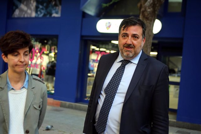 La Policía registra las oficinas de la SD Huesca