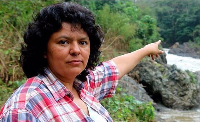 Imágen de la activista Berta Cáceres