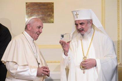 """El papa asegura que el problema de la fe no es la """"cantidad"""" de fieles sino """"la falta de alegría"""""""