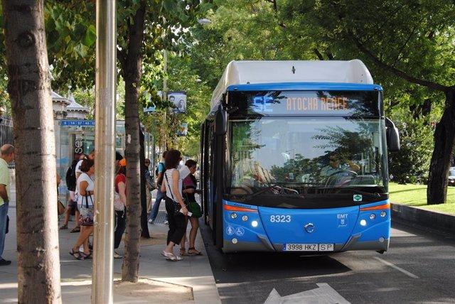 Hasta 20 autobuses circularán entre Atocha y Nuevos Ministerios, con parada en Recoletos, por las obras de Cercanías