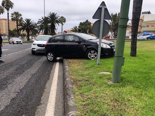 Sucesos.- Buscan al conductor de un vehículo huído después de un accidente en Las Palmas de Gran Canaria
