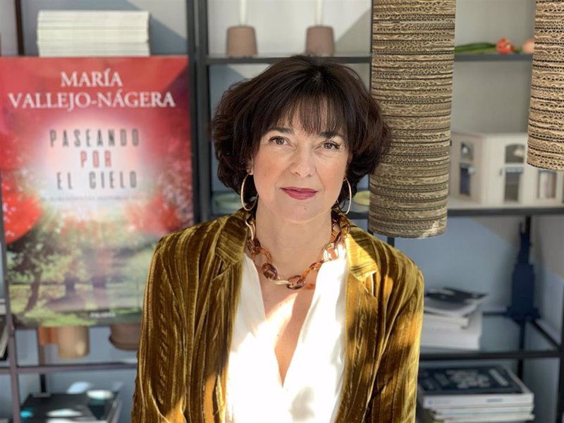 """María Vallejo-Nágera publica 'Paseando por el cielo': """"Se"""