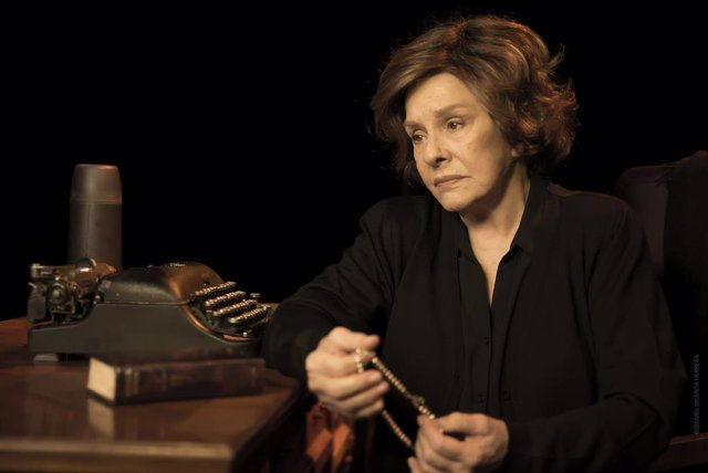 Una versión de la obra 'Cinco horas con Mario' de Miguel Delibes se representa esta semana en Vigo y Pontevedra