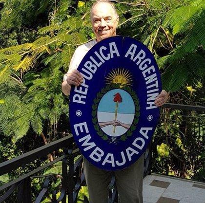 "Tachan de ""nazi"" a un embajador argentino por un controvertido tuit"