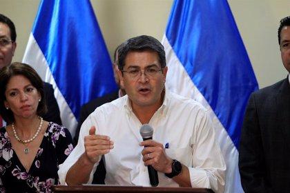 El presidente de Honduras confirma que fue investigado por la DEA por narcotráfico y lavado de dinero