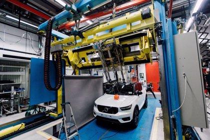 Volvo Cars y POC harán pruebas de impacto de cascos de ciclistas para mejorar la seguridad vial