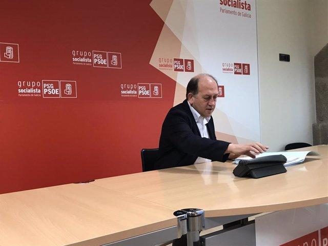 """Leiceaga (PSdeG) critica que Feijóo anuncie una ley que """"nada tiene que ver con el superávit"""" por """"pánico electoral"""""""