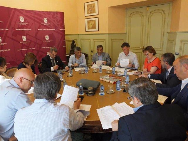 La Diputación de Segovia abona 9,2 millones de euros a los ayuntamientosen el segundo pago de la recaudación de tributo