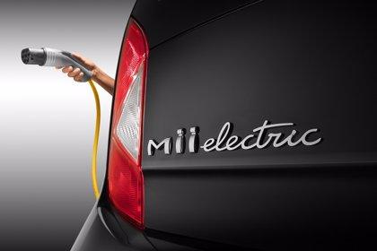 Seat presenta en Oslo su primer coche eléctrico, el 'Mii electric'