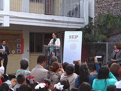 Ciudad de México aprueba una política de uniformes escolares neutrales