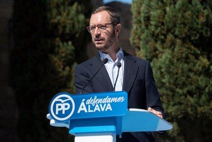 """Maroto apoya, tras hablar con su """"amigo"""" Alonso, que el PP vasco tenga """"sabor propio"""" dentro de un discurso nacional"""