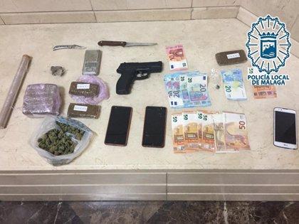 Tres detenidos tras desarticular un punto de venta de estupefacientes en el barrio de la Trinidad de Málaga capital