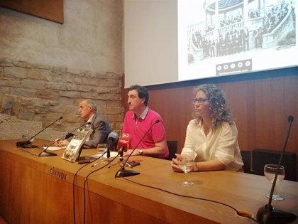 Un libro repasa los 100 años de historia de La Pamplonesa y su relación con la ciudad