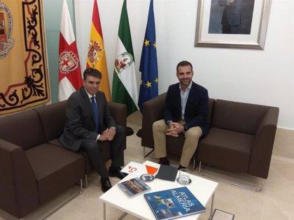 Miguel Cazorla (Cs) acaba su reunión con el candidato del PP en Almería sin hablar ni de acuerdos ni pactos