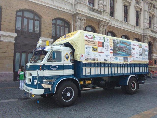 Bilbao recibe al camión que recorre España para apoyar la prevención e investigación sobre el cáncer