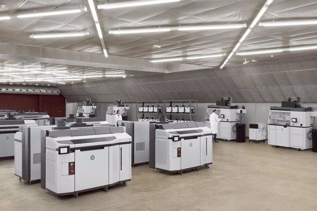 HP presenta en España su impresora 3D Jet Fusion Serie 5200 para la fabricación aditiva