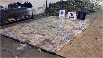 Detienen en España a una banda latinoamericana por transportar casi una tonelada de cocaína oculta en falsas piedras