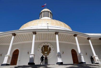 La prensa logra entrar a la Asamblea Nacional tras cinco semanas de bloqueo de las fuerzas 'chavistas'