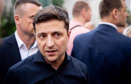 """Stoltenberg recuerda a Zelenski que combatir la corrupción es clave para """"acercar"""" a Ucrania a la OTAN"""