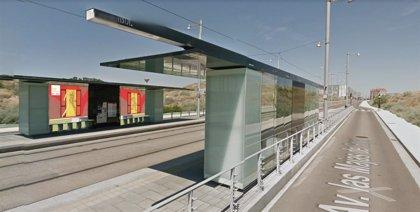 El Tranvía colabora en la protección del medio ambiente con dos murales en las paradas de Juslibol