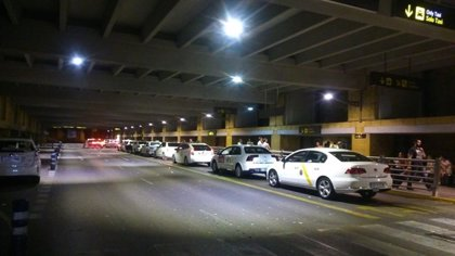 """Taxistas alertan del """"intento"""" de la Junta por """"dividir"""" al sector ante el borrador de los VTC y piden una reunión"""
