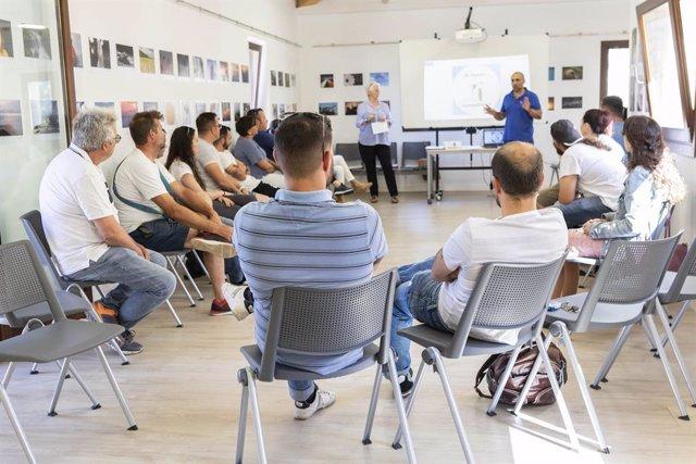 Uns cinquanta comerciants de Marratxí assisteixen a un curs sobre dispensació responsable de begudes alcohliques