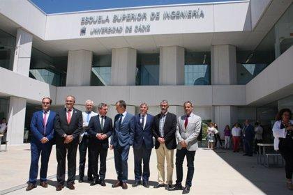 """Pedro Duque visita el Campus de Puerto Real de la Universidad de Cádiz y se manifiesta """"impresionado"""""""