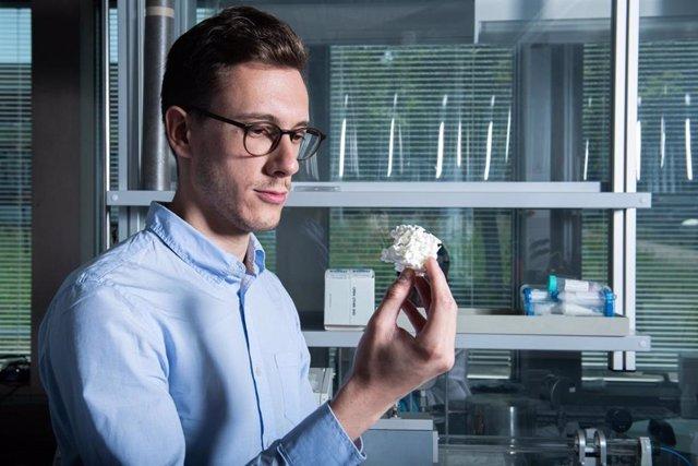 Suiza.- Desarrollan un nuevo material con memoria de forma que se activa por magnetismo, con aplicaciones en medicina