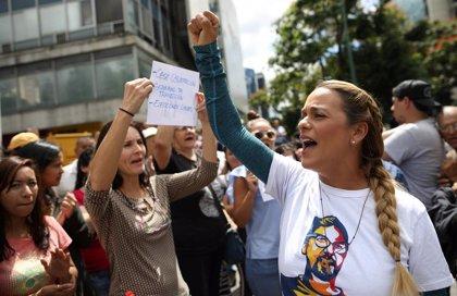 """Lilian Tintori afirma que ha iniciado una """"gira"""" para denunciar la situación en Venezuela"""
