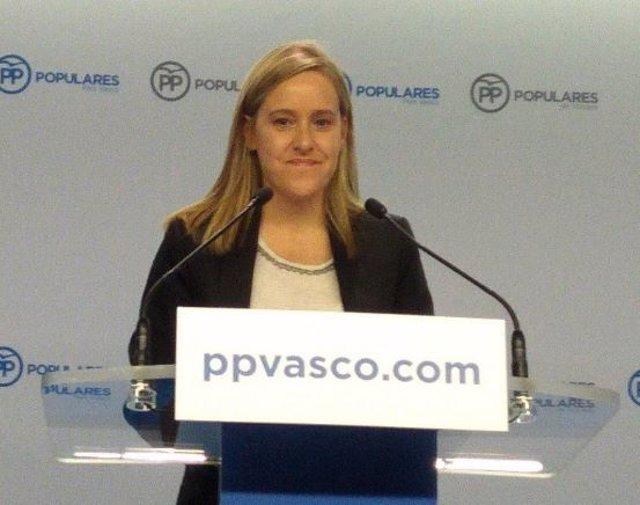 """Fernández (PP) acusa a PNV y PSE de """"mirar hacia otro lado"""" con los homenajes públicos a miembros de ETA excarcelados"""
