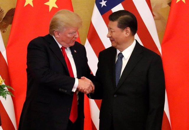 EEUU/China.- Trump y Xi se reunirán el mes que viene en la cumbre del G20 en Japón para resolver la guerra comercial
