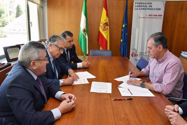 Sevilla.- Tomares y la Fundación Laboral de la Construcción firman un acuerdo para fomentar y consolidar el sector