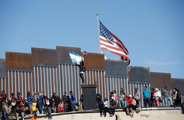 México/EEUU.- La llegada de migrantes a la frontera de EEUU con México aumentó un 32% en mayo