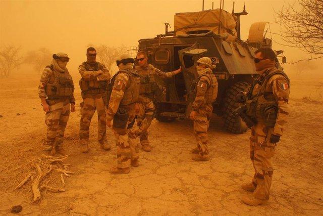 AMP2.- B.Faso.- Liberados dos franceses, una estadounidense y una surcoreana en una operación de Francia en Burkina Faso