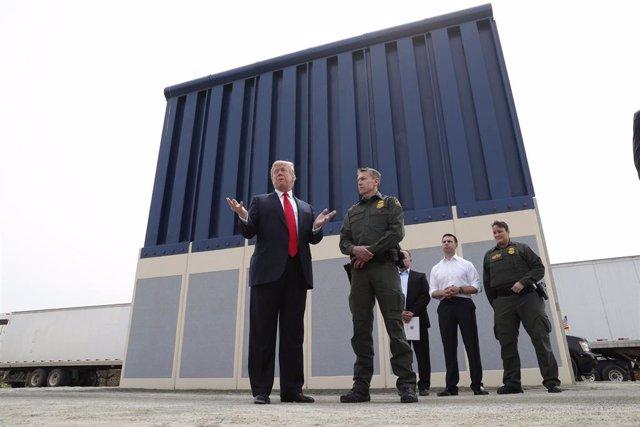 El Pentágono autoriza 1.000 millones de dólares para la construcción del muro fronterizo con México