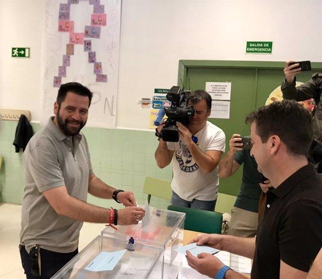 Cádiz.-26M.-AV.-Fran González no cogerá el acta de concejal del Ayuntamiento en