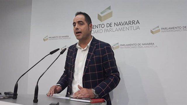 """PSN afirma, tras reunirse con Podemos, que """"no vamos a fallar"""" y propone presidir el Parlamento"""