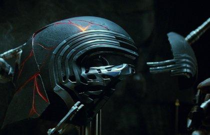 Primera imagen oficial del casco de Kylo Ren en Star Wars 9: El ascenso de Skywalker
