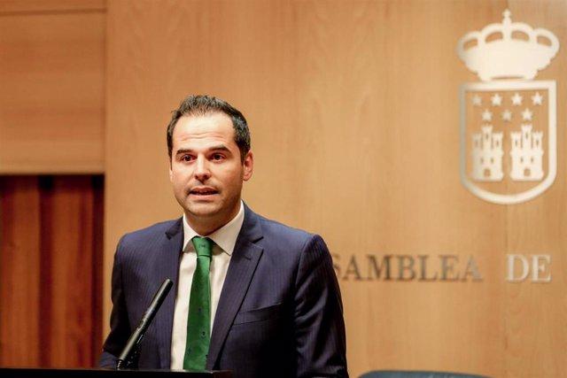"""VÍDEO: Aguado traslada a Gabilondo que pactará con PP para que la Comunidad siga """"progresando"""" con PSOE en la oposición"""