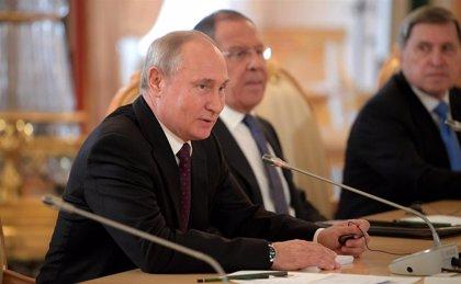 """Putin llama """"locos"""" a quienes apoyan a Guaidó como """"presidente encargado"""" de Venezuela"""