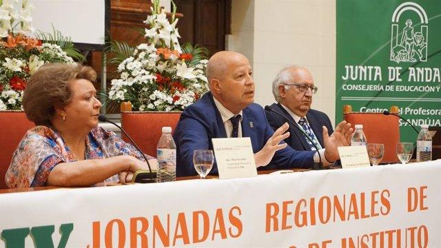 """Jaén.- Imbroda subraya que el docente """"es una figura sagrada"""" del sistema educativo andaluz"""
