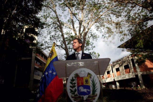 Guaidó abre la puerta a una intervención militar pero subraya que depende de sus aliados internacionales