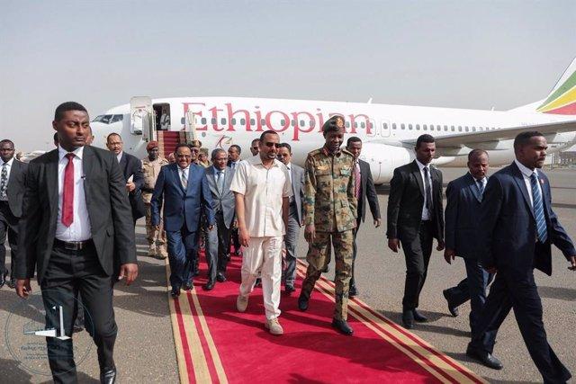Sudán.- El primer ministro etiope llega a Sudán para mediar en la crisis entre la junta militar y la oposición