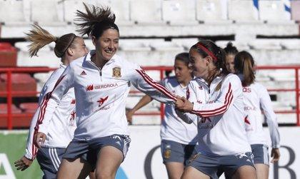 """Vicky Losada: """"Es un privilegio estar en los libros de historia del fútbol femenino español"""""""