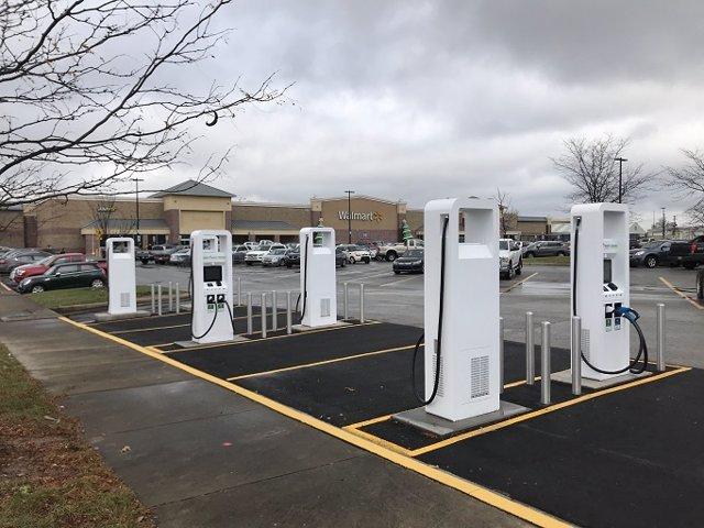 Economía/Motor.- Volkswagen y la cadena de supermercados Walmart ampliarán su red de estaciones de carga para eléctricos