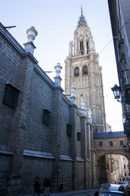 Cabildo de Catedral presenta a Ayuntamiento Toledo el proyecto de restauración de la torre para pedir licencia de obra