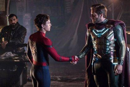 Tom Holland (Spider-Man) revela qué chasquido creó el multiverso Marvel